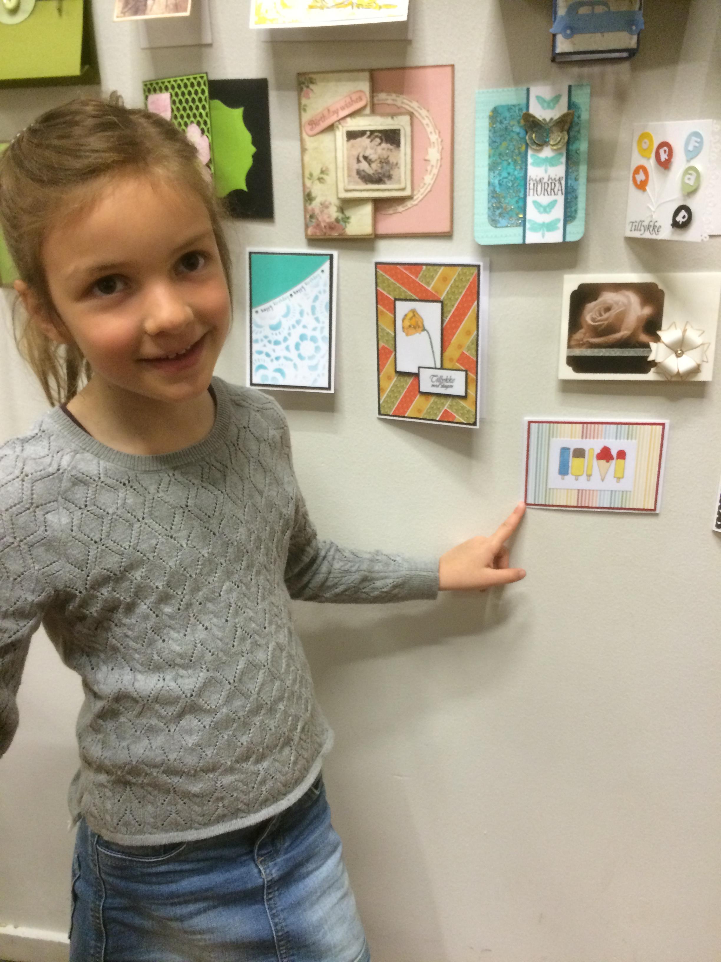 Sophie viser eget kort